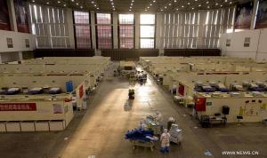 """خبراء منظمة الصحة العالمية يصلون """"بؤرة كورونا"""""""