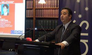 نائب رئيس المجلس التشريعي في سيدني يستقيل رافضاً الاعتذار!