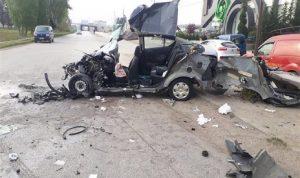 جرحى نتيجة تصادم عدة مركبات على طريق عام تعنايل (صور)