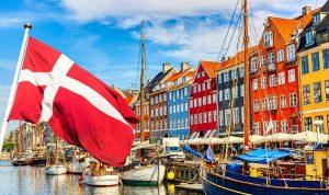الدنمارك تخفف قيود كورونا على المطاعم وقطاع التجزئة