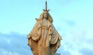 رفع تمثال العذراء في ميناء صور بعد ترميمه