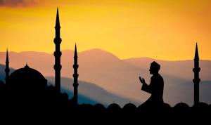 لبنان يُلاقي العيد بمناخاتٍ سياسية أكثر تَشَدُّداً