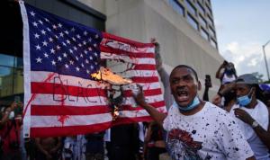 إيران عن الاحتجاجات في أميركا: يجب وقف القمع!