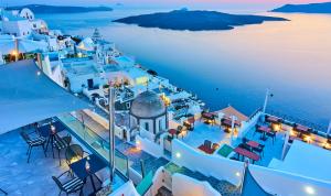 اليونان ستستقبل السياح من 29 دولةولبنان من بينها