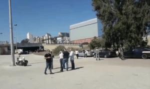 وقفة احتجاجية للسائقين العموميين أمام الـFORUM (فيديو)