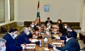 دياب عقد اجتماع اللجنة الوزارية لعودة اللبنانيين