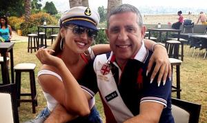 جيسي عبدو تروي تفاصيل وفاة والدها بحريق في منزله