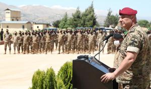 قائد الجيش: لن نسمح لأي كان العبث بالأمن وزعزعة الاستقرار