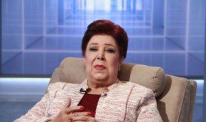 """رجاء الجداوي عن شائعات كورونا: """"هيزوّدوا الجرعة علشان اموت؟"""""""