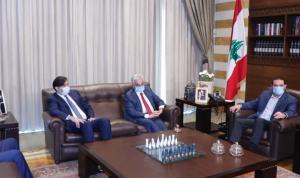 خطة المصارف بين صفير والحريري في بيت الوسط