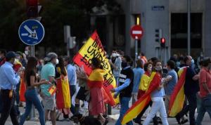 تمديد حال الطوارئ وسط احتجاجات شعبية في اسبانيا