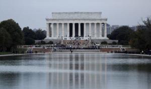 واشنطن ستبدأ رفع قيود العزل العام الجمعة