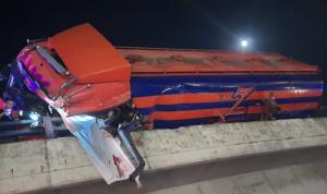 قتيل في انقلاب صهريج على طريق المطار