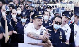 الشرطة الأميركية تستخدم القوة ضد المتظاهرين وترامب يختبئ تحت الأرض (صوَر وفيديو)