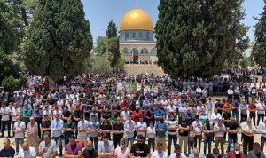 أول صلاة جمعة في المسجد الأقصى بعد إعادة فتحه