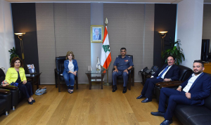 عثمان عرض مع رئيسة لجنة السجون في الروتاري تطوير التعاون