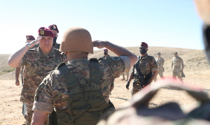 قائد الجيش: المراحل الصعبة تحتاج إلى أقصى درجات الوعي والتحمّل