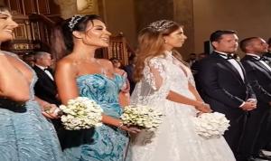 """نادين نجيم """"تنفجر بالضحك"""" في الكنيسة (فيديو)"""