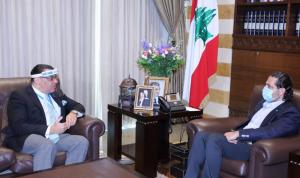 الحريري عرض الأوضاع مع السفير المصري