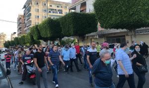 """مسيرة لحراك """"صيدا تنتفض"""": لحكومة انتقالية وقضاء مستقل"""
