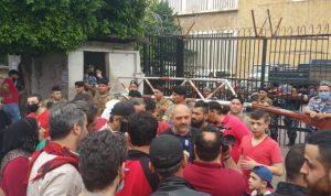 اعتصام أمام مدخل سرايا طرابلس
