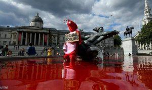 """""""نافورة الدم"""".. مشهد صادم في لندن"""