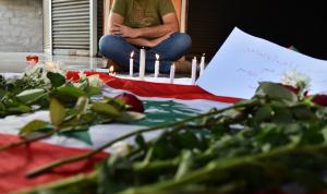 """""""يا للعار يا للعار ودّونا عالإنتحار""""… جثّة وغضب في بيروت"""