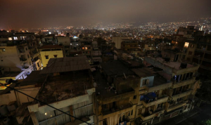 """""""نيويورك تايمز"""": شموخ لبنان ينهار والناس تقايض الملابس بالطعام"""