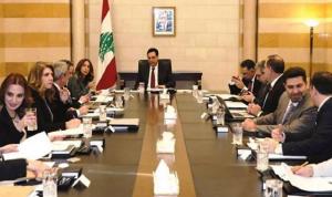 """تأخير الاستشارات النيابية في لبنان يثير مخاوف من """"تعويم"""" حكومة دياب"""