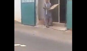 بسبب فقدان المازوت.. فرّان يرمي العجين في الشارع (فيديو)