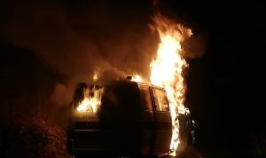 إخماد حريق داخل سيارة إسعاف في عربصاليم
