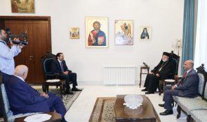 الحريري بحث مع عودة في المستجدات السياسية