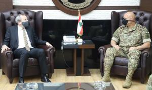 قائد الجيش التقى السفير البريطاني
