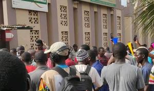 في مالي..اقتحام التلفزيون الرسمي وتوقف البث