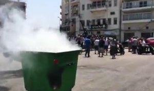 قطع الكورنيش في الميناء احتجاجا على منع عمل المراكب
