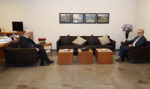 آخر التطورات بين جعجع والسفير التونسي