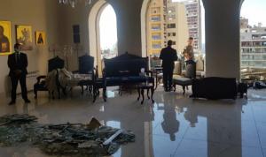 بالصور: أضرار كبيرة في مطرانية الروم في بيروت
