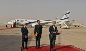 وصول أول رحلة جوية مباشرة من إسرائيل إلى الإمارات