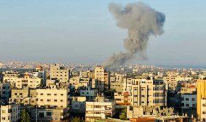 """""""حماس"""" تطلق 130 صاروخًا باتجاه مدن إسرائيلية!"""