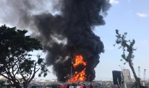 حريق في مرفأ بيروت يشعل الغضب ضد إهمال السلطة