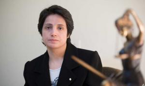 نقل ناشطة إيرانية أضربت عن الطعام في السجن إلى المستشفى