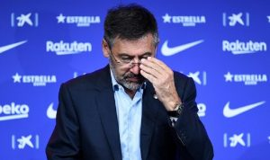 رئيس برشلونة بارتوميو مهدد بالسجن