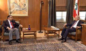 بري عرض الاوضاع مع سفير مصر