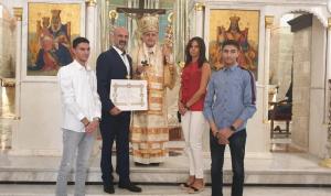 من المطران درويش إلى المهندس جان أبو نجم صليب القدس المذهب