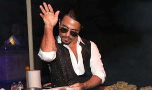 شيف تركي شهير يتبرع بإيرادات مطعمه لضحايا انفجار بيروت