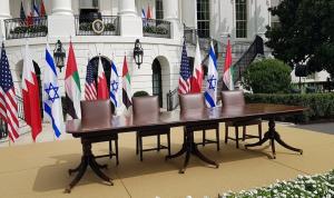 بالصورة: كمامة خاصة لضيوف البيت الأبيض!