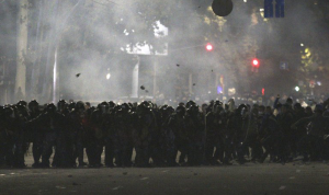 إصابة أكثر من ألف شخص خلال أعمال الشغب في قرغيزستان