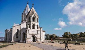 أذربيجان تنفي قصف كاتدرائية أرمنية في قره باغ