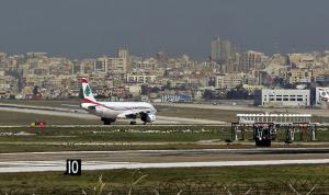 بالفيديو: محاولة لقطع الطريق أمام المطار