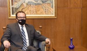 """شينكر: باسيل و""""الحزب"""" يقودان لبنان… ومفاوضات الترسيم """"سخيفة"""""""